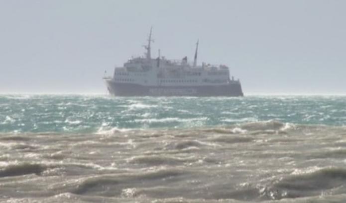 Moti i keq në Durrës, pezullohet peshkimi dhe sektori i ngarkim-shkarkimit