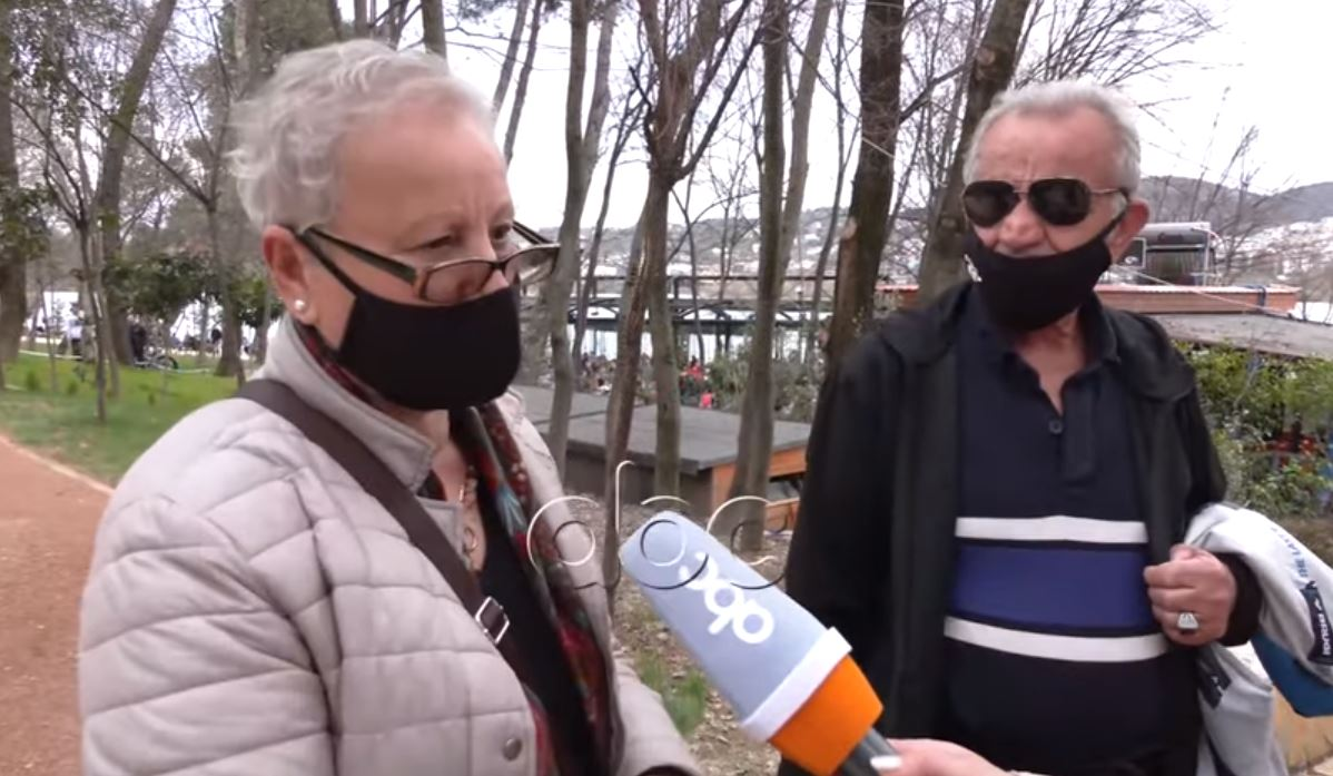 """Qytetarët mbushin liqenin artificial: Policia """"lë"""" gjobat, këshillon qytetarët që ta mbajnë maskën"""