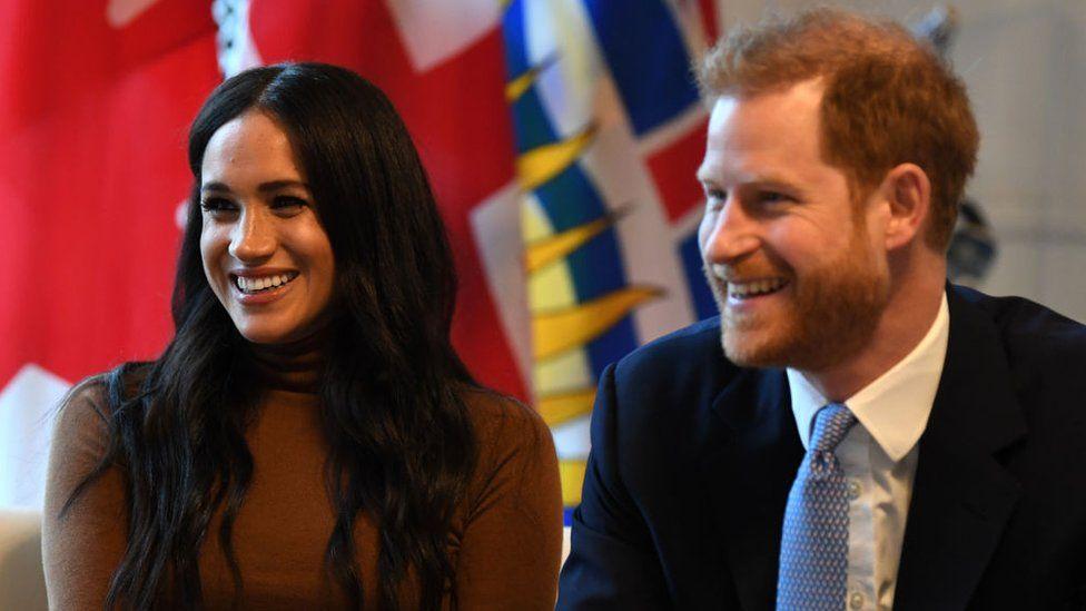 Ku i marrin paratë Meghan dhe Harry, tani që Pallati nuk i mbështet më financiarisht?