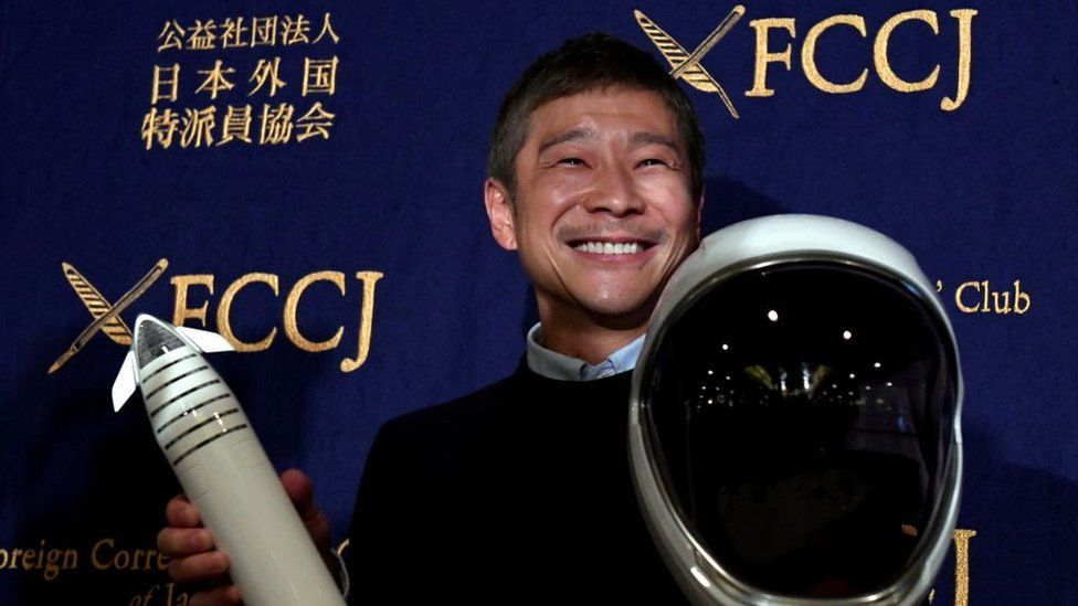 Miliarderi japonez kërkon 8 persona për t'iu bashkuar në një udhëtim në Hënë