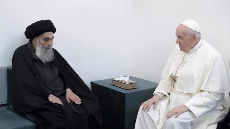 Papa Françesku takon klerikun e fuqishëm Shiia në Irak