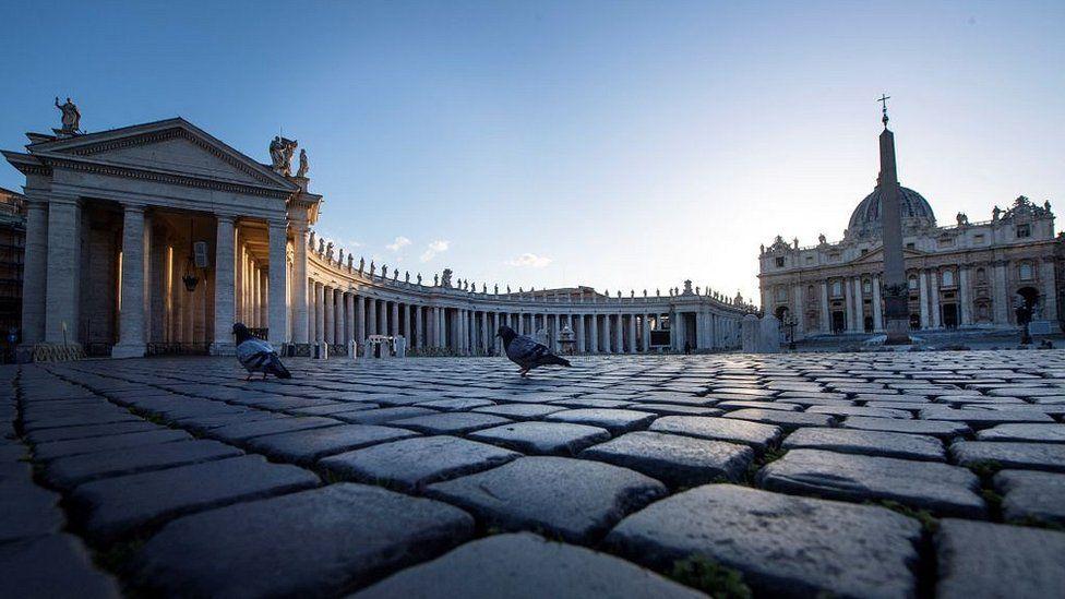 Vatikani në krizë, Papa Françesku urdhëron uljen e pagave për kardinalët
