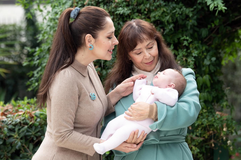 Tre breza në një foto, Elia Zaharia uron për herë të parë 8 Marsin me Yllkën dhe Princeshën  Geraldinë