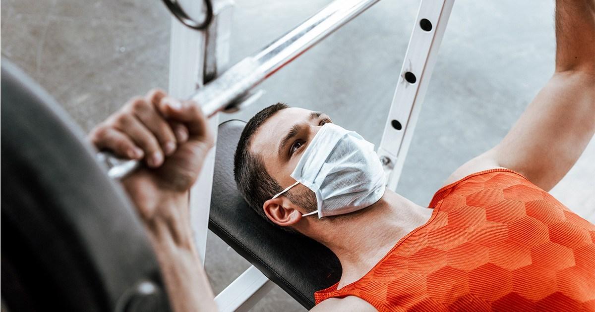 Çfarë rreziku shëndetësor ju kanoset po të mbani maskën gjatë palestrës