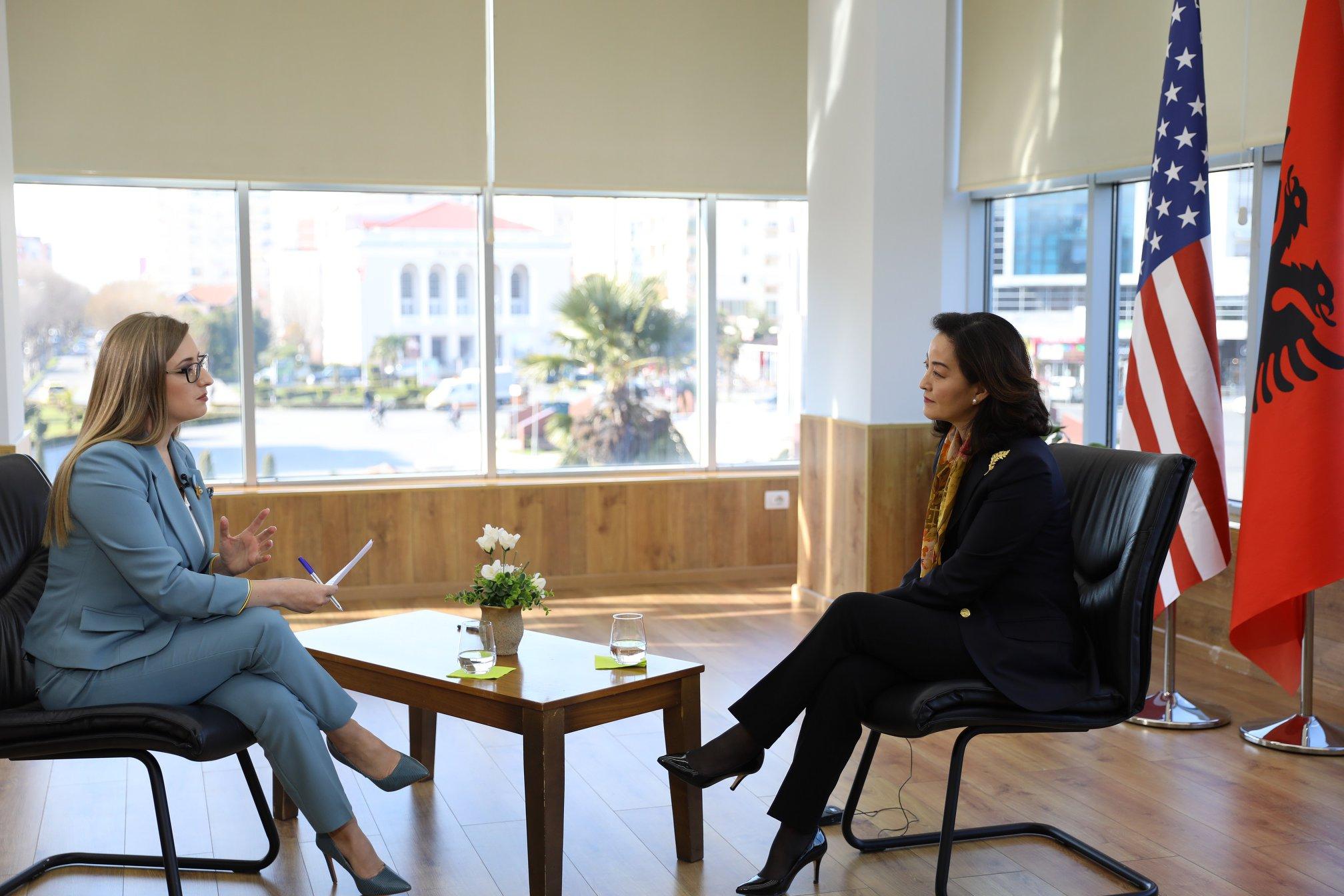 """EKSKLUZIVE/ Çështjet e """"nxehta"""" të 25 Prillit, Yuri Kim flet në ABC për listat e pastra dhe korrupsionin"""