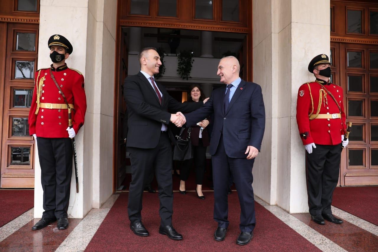 Meta takon zv.kryeministrin e Maqedonisë së Veriut: Dy vendet duhet të fuqizojnë marrëdhëniet