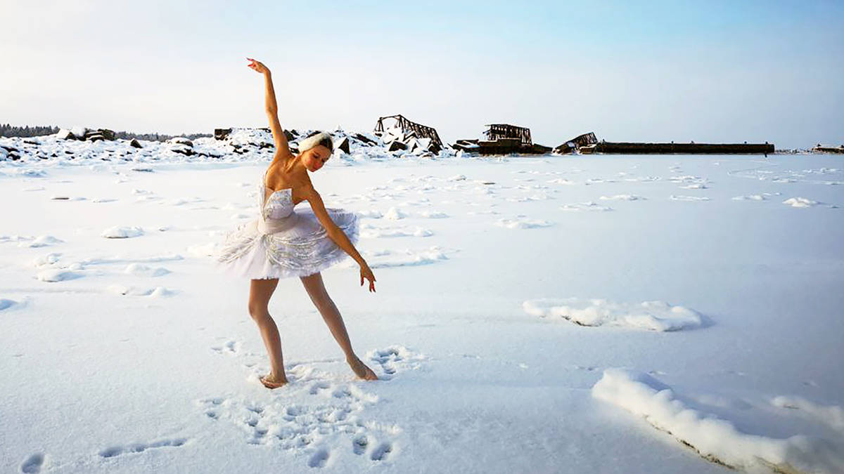 """Balerina interpreton """"Liqenin e Mjellmave"""" në minus 15 gradë Celsius dhe ka një arsye të fortë"""