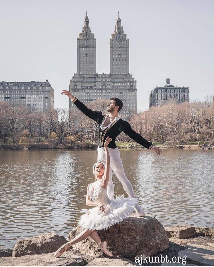Balerini shqiptar flet për Abcnews.al: Ju tregoj si u bëra pjesë e 'Ajkun Ballet Theatre', në New York