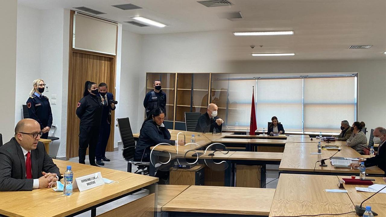 Liroi disa të dënuar përjetë, shkarkohet nga detyra gjyqtarja Enkelejda Hoxha