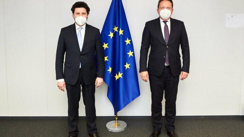 Abazoviç: Vaksinat nga BE-ja do të arrijnë më 31 mars në Mal të Zi