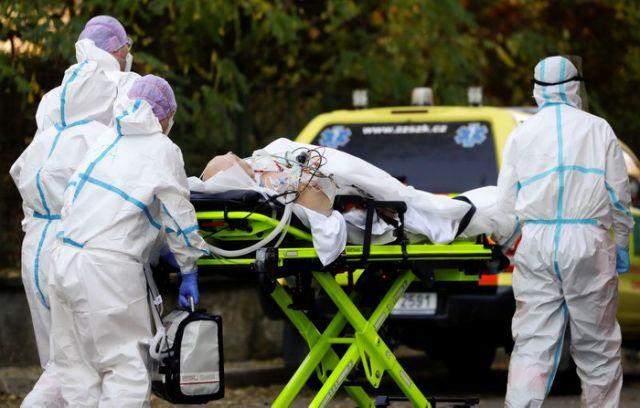 Spitalet e mbingarkuar, Çekia i kërkon ndihmë vendeve europiane për pacientët me Covid