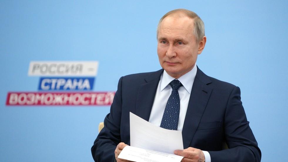 Vladimir Putin tregon pse nuk u vaksina para kamerave