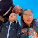 Elita publikon foton më të ëmbël: Zëri pozon për herë të parë me motrën e porsalindur