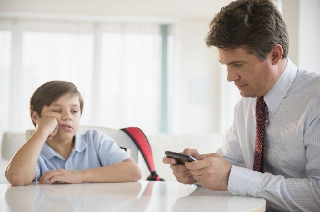 2 arsye pse baballarët nuk kalojnë kohë me fëmijët e tyre