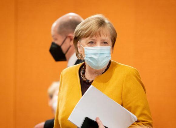 Covid, Merkel shfuqizon bllokimin total për Pashkë: Ishte një gabim