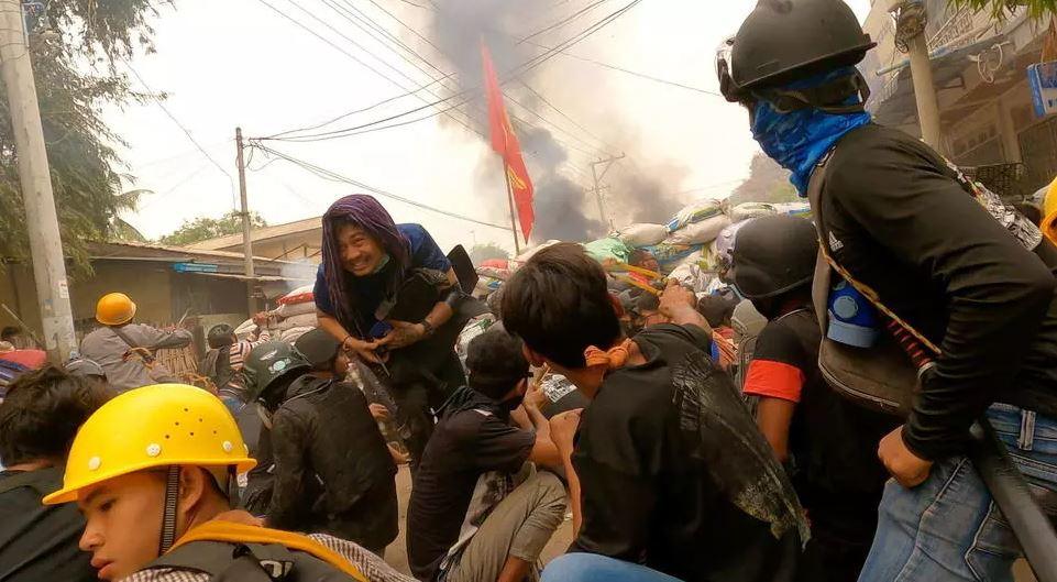 Protestat  e dhunshme në Mianmar, SHBA urdhëron diplomatët të largohen nga vendi