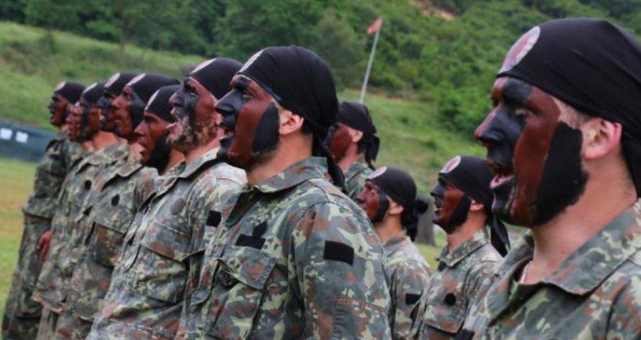 Ushtarakëve u mbyllet goja me ligj, nuk u lejohen kritikat, fotot në Facebook dhe alkooli