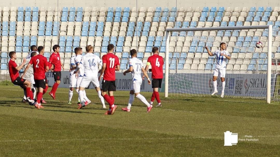 """Shqipëria U21 mposht me """"tris"""" Tiranën, shkëlqen Karrica"""