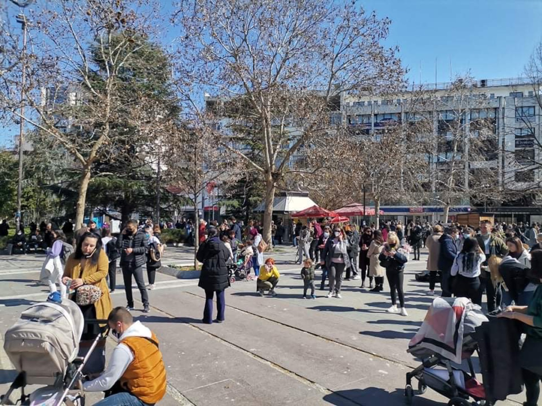 VIDEO/ Tërmeti shkund Greqinë, banorët e Larisas dhe Elasonas vrapojnë të trembur në rrugë e sheshe