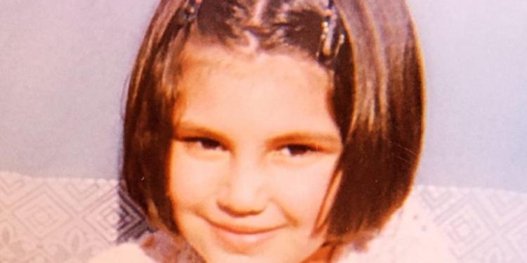 Sot është një nga vajzat më bukura shqiptare, a e njihni vogëlushen në foto?