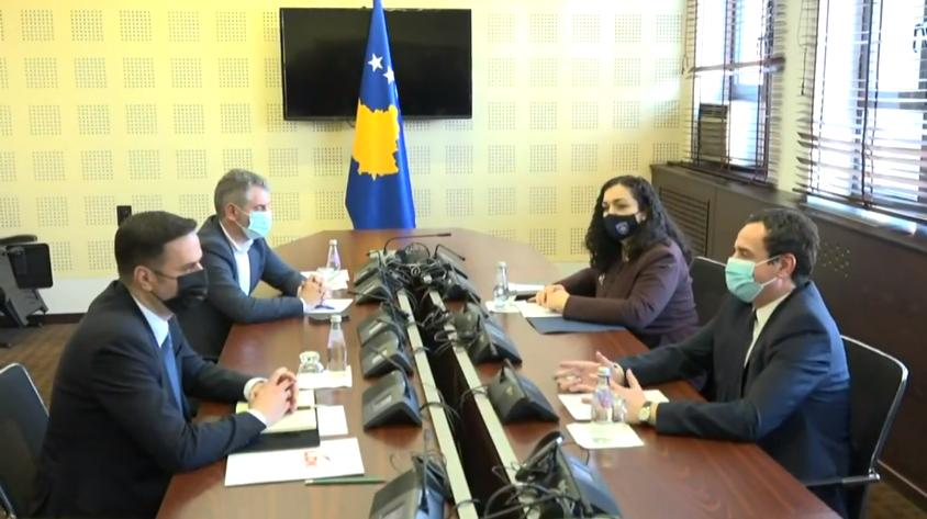 Nis takimi mes Abdixhikut, Albin Kurtin e Vjosa Osmanin, diskutohet për presidentin