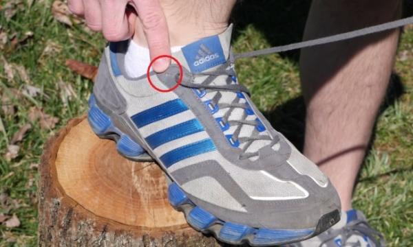 Arsyeja e vërtetë pse atletet tuaja të vrapimit kanë vrima shtesë