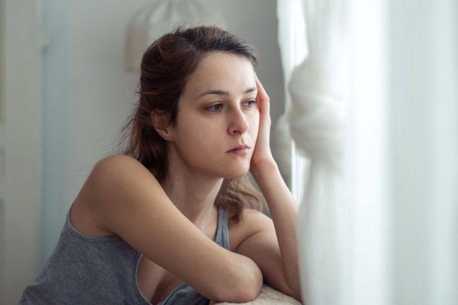 Pse gjithnjë e më shumë të rinjtë nuk ndihen të lumtur