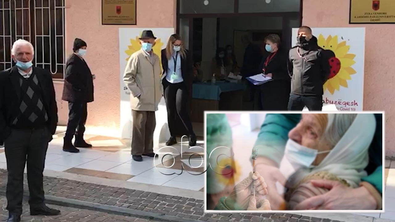 Vaksinimi i të moshuarve mbi 90 vjeç në Lezhë, 75 vjeçari: E padrejtë, edhe ne duam të jetojmë