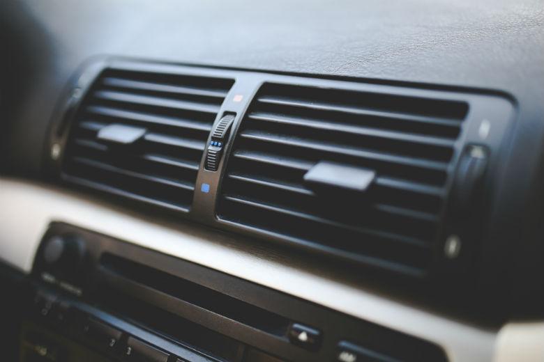Pse nuk duhet ta përdorni kondicionerin e makinës