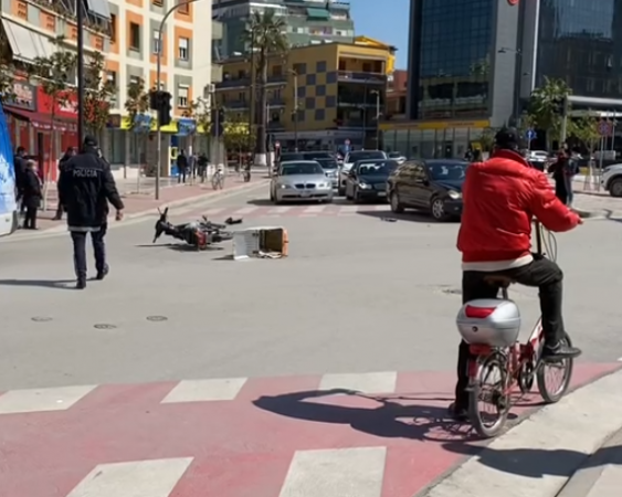 """Aksident me vdekje në Tiranë, ndërron jetë """"Xubi"""", plagoset 38-vjeçarja"""