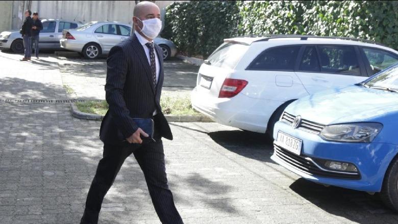 Artan Shkëmbi nuk i shpëton dot akuzës, vijon pezullimi nga detyra pas kërkesë së prokurorisë