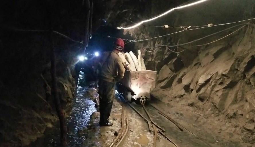 Bulqizë, plagosja e minatorit në galeri, vihen nën hetim brigadieri dhe tekniku i sektorit në minierë