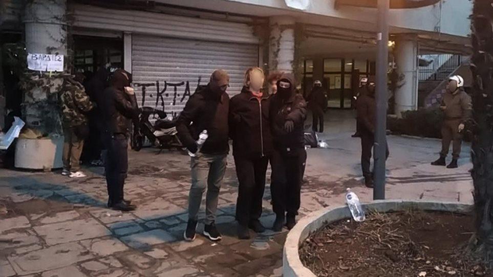 Universiteti i Aristotelit në Selanik rrethohet nga policia, studentët i japin fund protestës 17 ditore