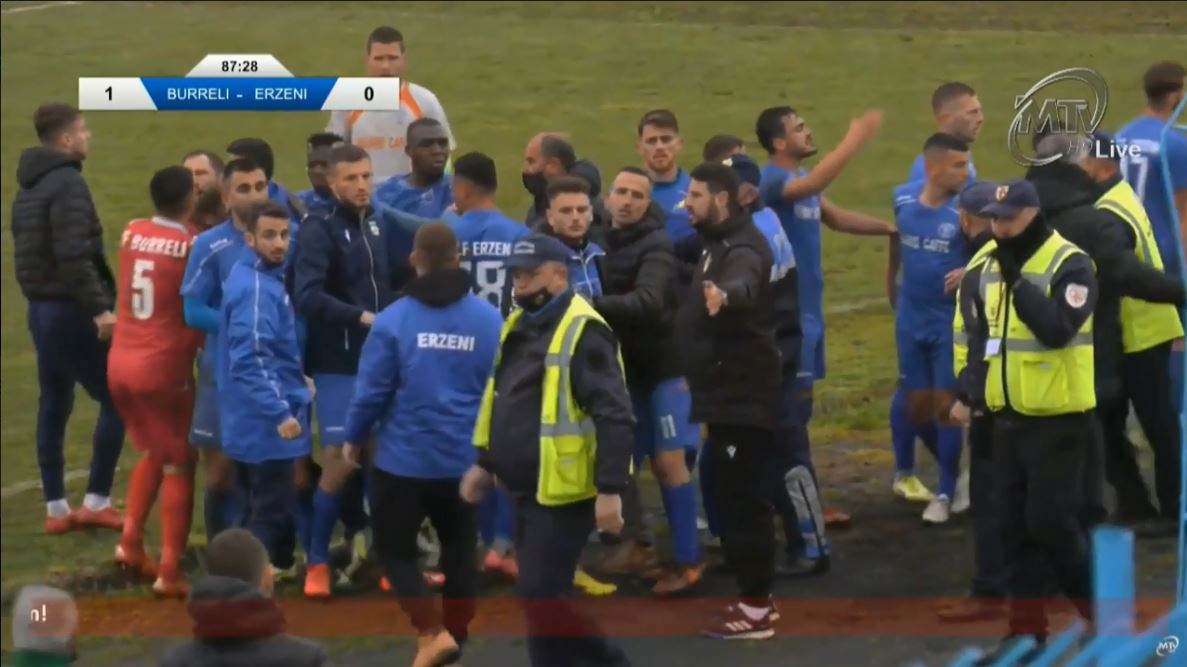 VIDEO/ Burreli triumfon mes tensionit, Bubeqi kapet me policët! S'falin Egnatia dhe Lushnja