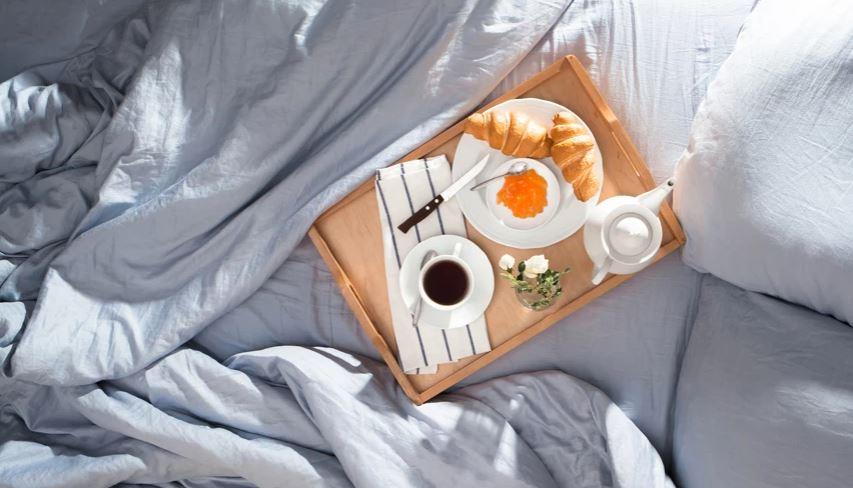 Studimi i ri mbi diabetin: Ata që hanë mëngjes para orës 8:30 janë më pak të rrezikuar