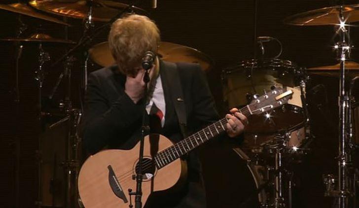 Ed Sheeran shpërthen në lot teksa këndon këngën kushtuar vajzës së tij