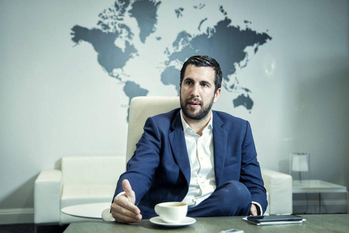 32 vjeç dhe biznesmen i suksesshëm, rivali i Perez për president të Real Madrid