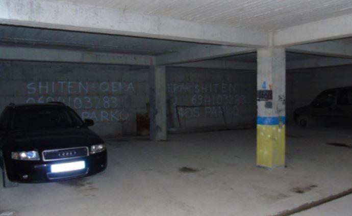 Gjendet i pajetë në një parking automjetesh, 66 vjeçari në Tiranë