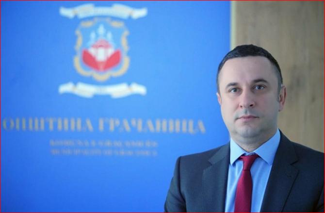 Kryetari i Graçanicës: Rreth 10 mijë qytetarë të Kosovës janë vaksinuar në Serbi