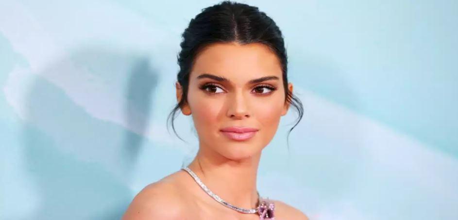 Kendall Jenner flet për problemet me shëndetin mendor: Mendoja se po vdisja