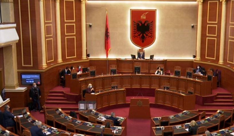 Kuvendi rrëzon dekret-ligjin për karrierën në Forcat e Armatosura
