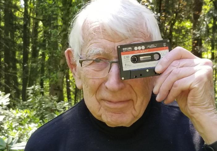 Shpiku kasetën audio, ndërron jetë  në moshën 94 vjeçare  pionier i teknologjisë CD