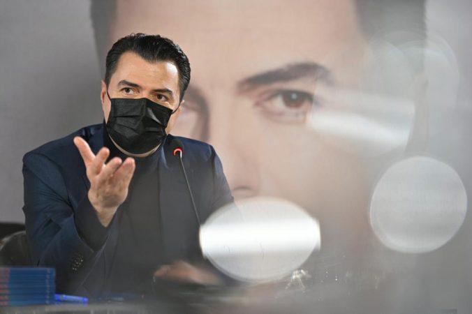 """Njohja me Aurelën dhe lidhja me Kosovën, Basha në librin e tij: """"Fijet"""" që lidhin pushtetin sot me komunizmin"""