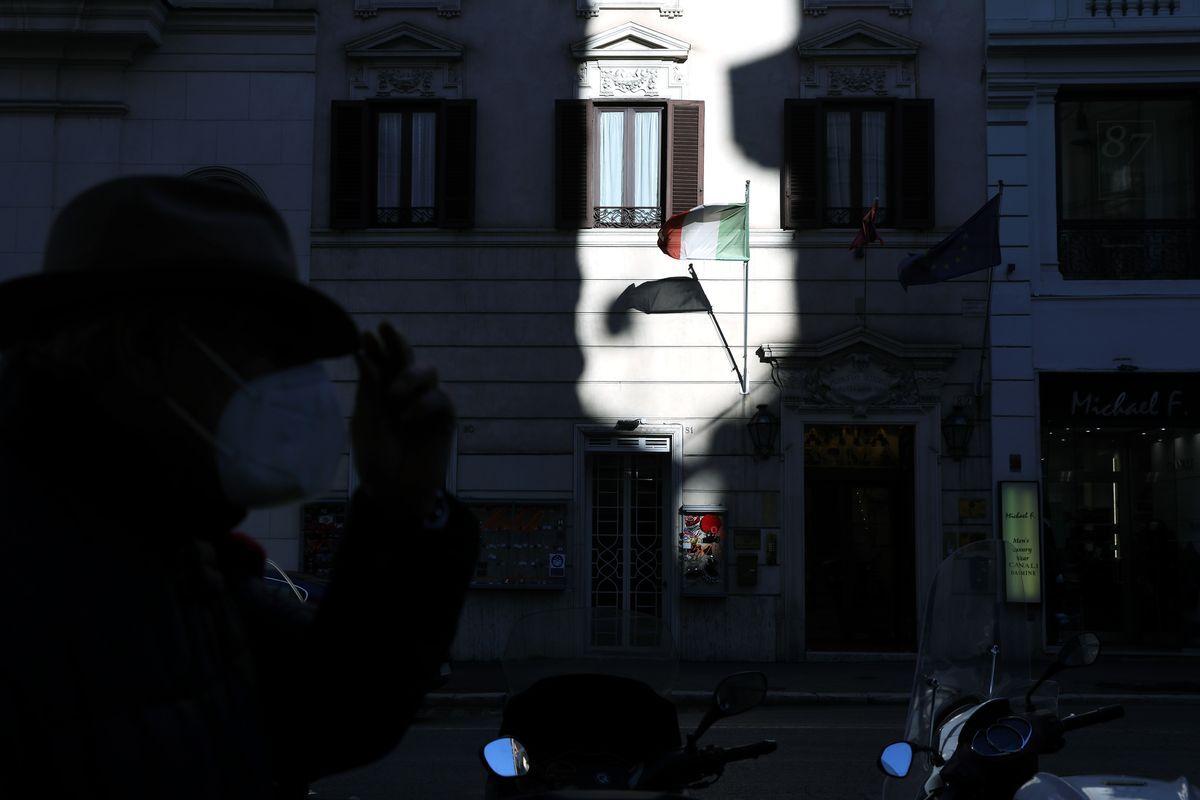Pandemia u shkaktoi probleme, si po synon mafia italiane rimëkëmbjen përmes Fondit Evropian