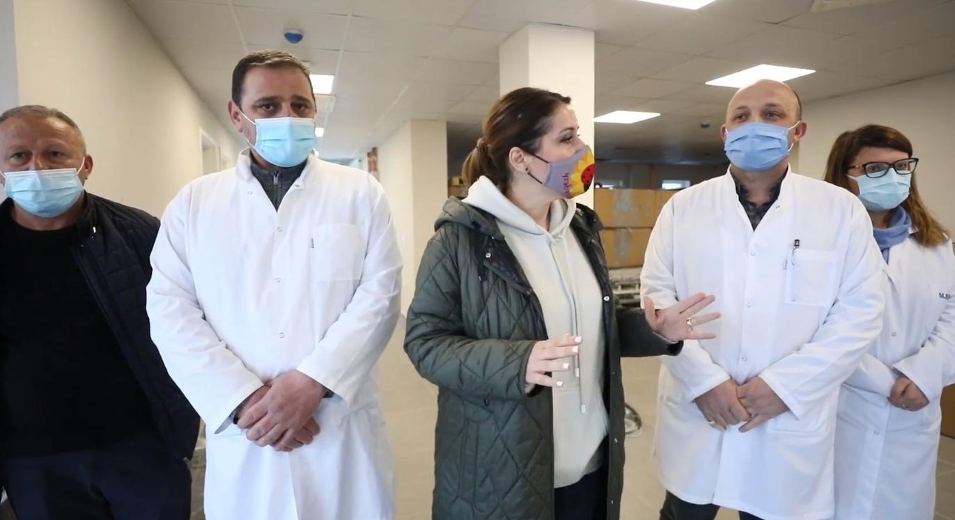 Manastirliu inspekton punimet në Spitalin e ri të Urgjencës në Kukës: Pavarësisht pandemisë, puna vijon