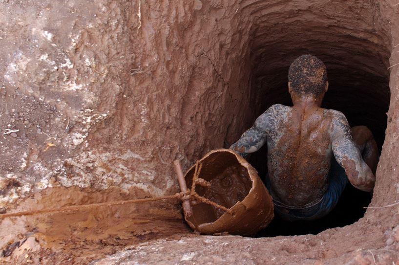 """""""Lufta"""" për kobaltin në Kongo që ka shijen e gjakut"""
