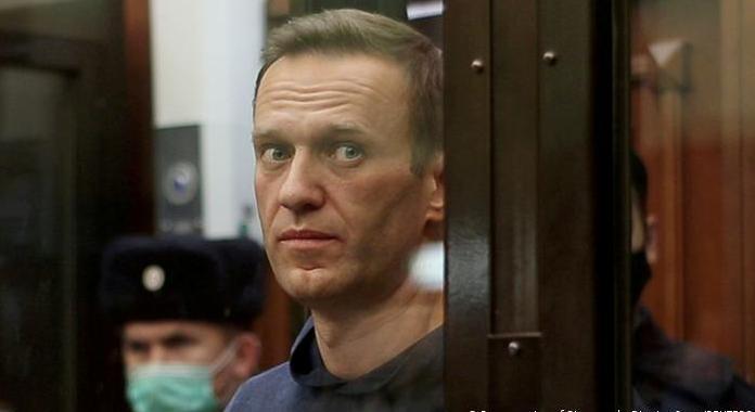 Pas hekurave, kritiku i Kremlinit njofton se do të futet në grevë urie