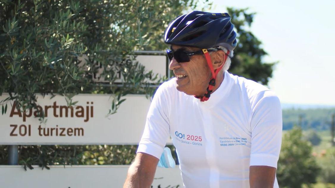 """Biçikleta fiksimi i tij i madh, Edi Reja devijon """"Xhiron e Italisë"""" në Slloveni"""