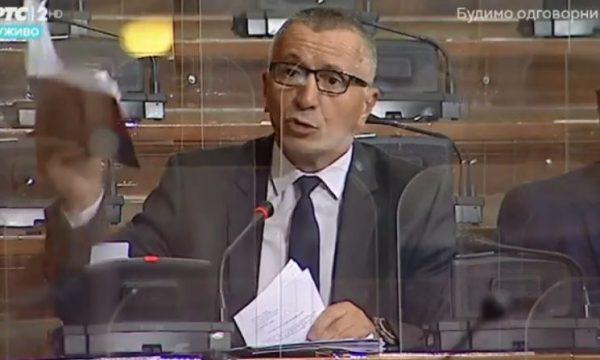 Kamberi i rikujton Brnabiçit se për të hyrë në Kosovë i duhet leje e veçantë