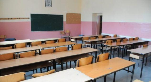 """Maturantët nesër rikthehen në klasa, """"Arsimi"""": Kemi marrë masat anti-Covid"""